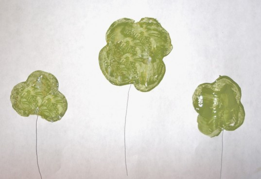 Painted clovers with stems