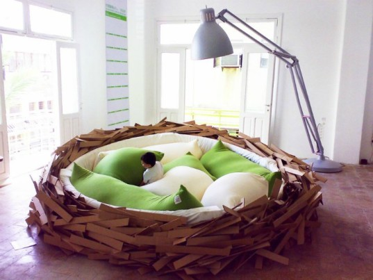 O*GE CreativeGroup, birdsnest bed, nest inspired bed, inventive bed, children's play bed, playful bed, themed bird bed