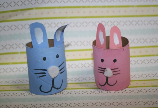 boy and girl bunny, boy and girl toilet paper roll bunnies, recycled toilet paper roll bunnies, recycled Easter bunny craft