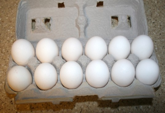 dozen eggs, organic eggs, eggs for dyeing, easter eggs, dye easter eggs, white eggs