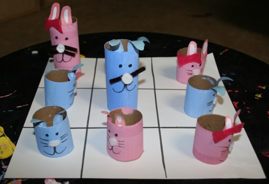tic tac toe game, recycled tic tac toe game, toilet paper roll bunnies, bunny tic tac toe, tic tac toe bunnies