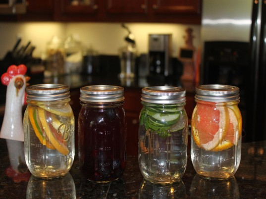 green kids, eco kids, green design for kids, cooking with kids, baking with kids, do it yourself, how to, jennie lyon, fruit infused water, vegetable infused water, recipes