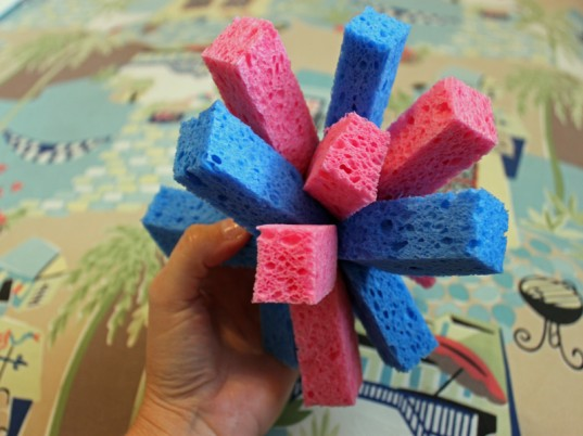 green kids, eco kids, green design for kids, diy kids crafts, green crafts, do it yourself, how to, jennie lyon, sponge crafts, water toys, eco toys, green toys,