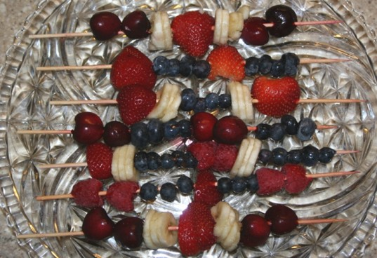 4th of july, fruit skewers, 4th of july fruit