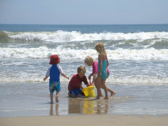safe beaches, water quality, water safety, public health, health and safety, safe beaches, NRDC , beach report, polluted beaches, water pollution, runoff, safe drinking water, dirty beaches,