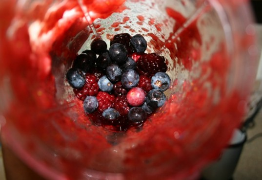 organic ice pop, red white blue ice pop, 4th of july ice pop, blackberry and blueberry