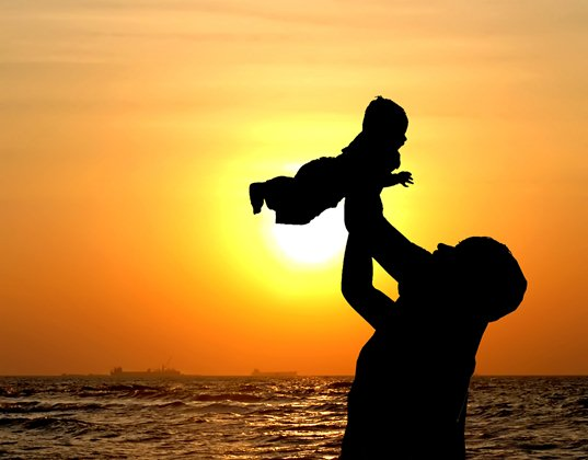 older dads, old parents, baby after 40, baby before 40, Schizophrenia, elderly parents, autism risks, late parenthood, old father