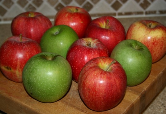 organic apples, apple cider, apple cup