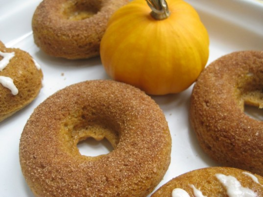 pumpkin donuts, Halloween food, green Halloween, Halloween party food
