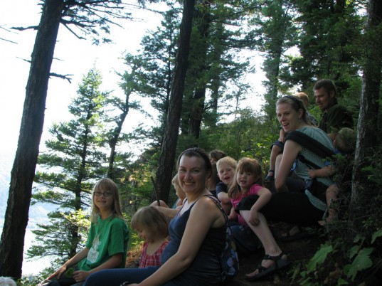 eco kids, green kids, eco baby, green baby, sustainable design for kids, how to, jennie lyon, hiking with kids, health and wellness