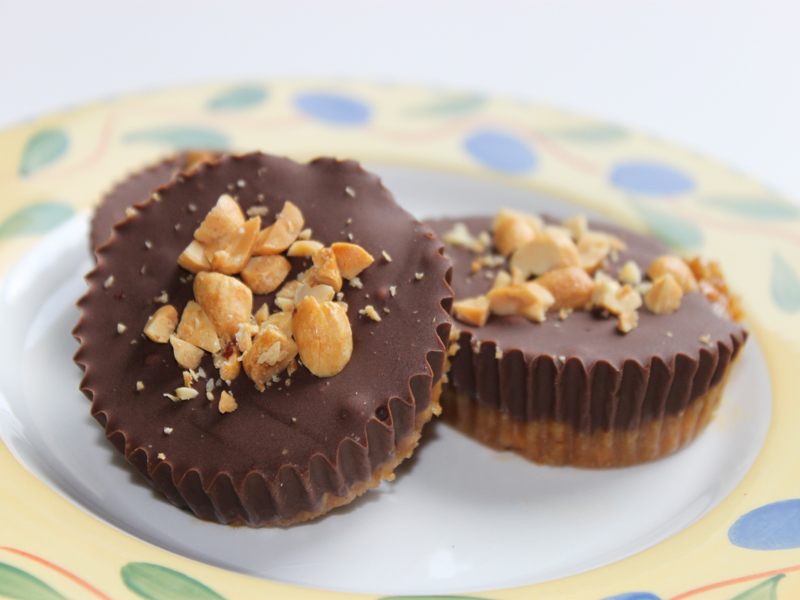 HOW TO: Make Vegan Chocolate Peanut Butter Cups