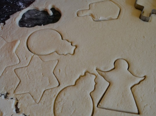 craft, holiday how-to, salt dough ornaments, green holiday ideas for kids