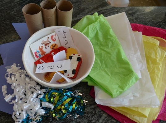 diy christmas crackers, how to, recycled crafts, green family