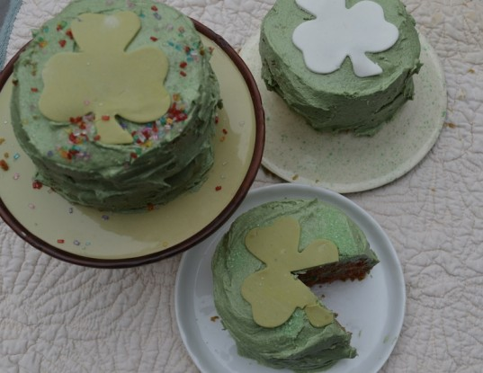 leprechaun cakes, vegan baking, vegan cooking, St.Patrick's Day