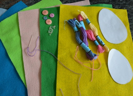 felt Easter eggs, green holiday ideas for kids, how-to, green Easter