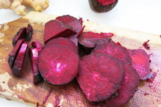 white beans, cooking, food, natural coloring, beetroot, pink hummus, pink, girls,