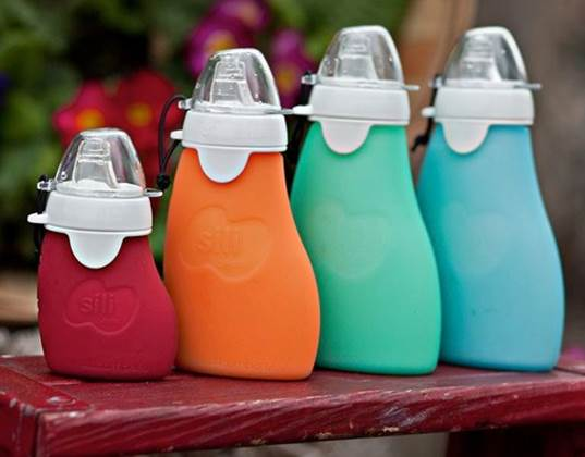 Sili Squeeze Reusable Food Pouch Is Perfect For Purees On