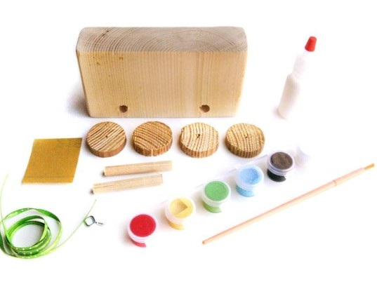 recycled art kits, handmade art kits, go make play, clothespin dolls, wooden toys, wooden crafts, art supplies, eco art, green art supplies, green crafts, eco crafts, wooden robot, wooden blocks