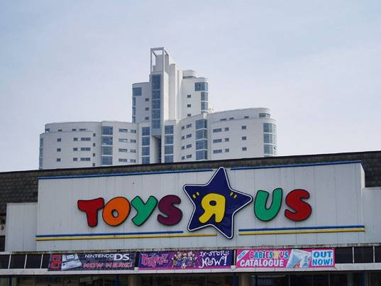 Uk Toys R Us Stores Go Gender Neutral In Response To Let Toys Be