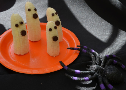 banana ghosts, kid friendly, green Halloween, recipes