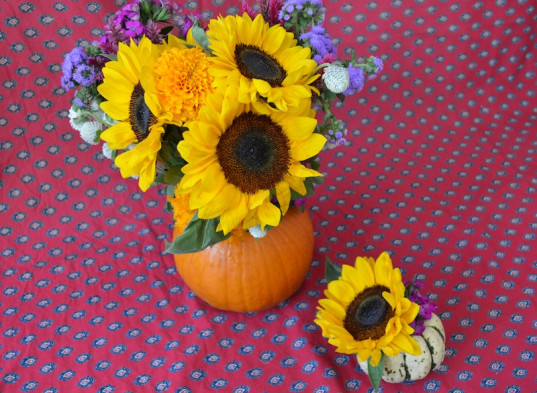 pumpkin vase, natural holiday decorations, kid friendly, how-to