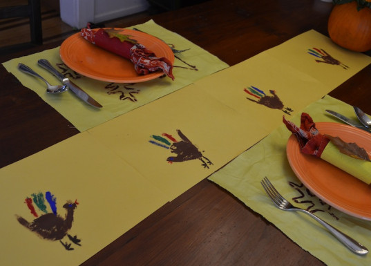 holiday ideas, holiday table, kid friendly, how-to