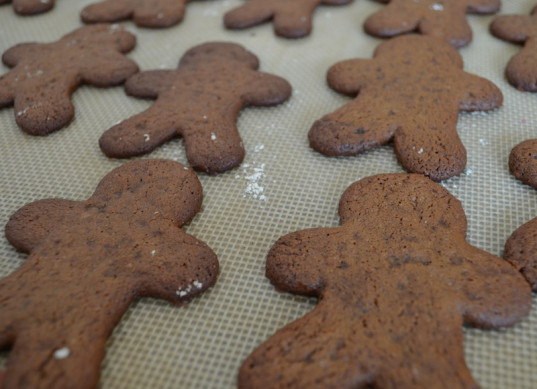 gingerbread cookies, kid friendly, how-to, holidays ideas for kids