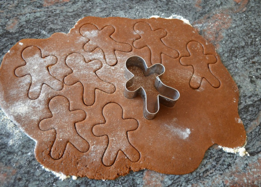 gluten-free cookies, baking, holiday recipe, gingerbread cookies