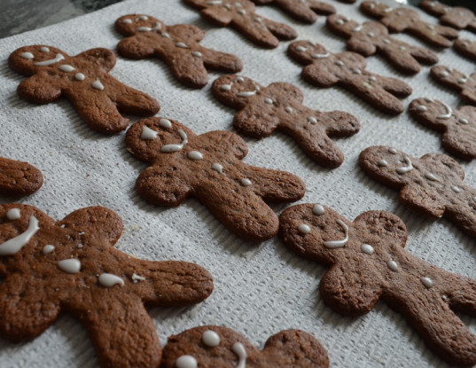 gingerbread cookies, gluten-free cookies, gluten-free gingerbread cookies, vegan baking