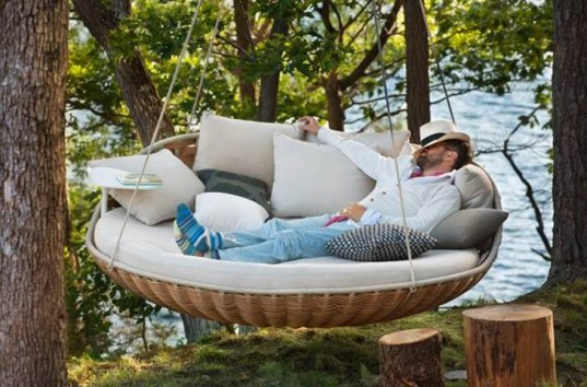 Swingrest lets the whole family lounge in a swaying nest-like perch ...