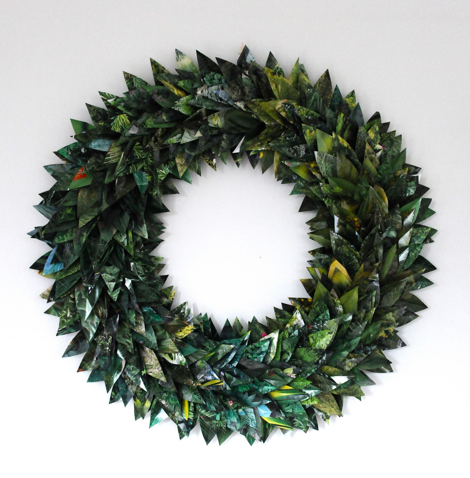 Diy 7 festive holiday wreaths made from upcycled Making wreaths