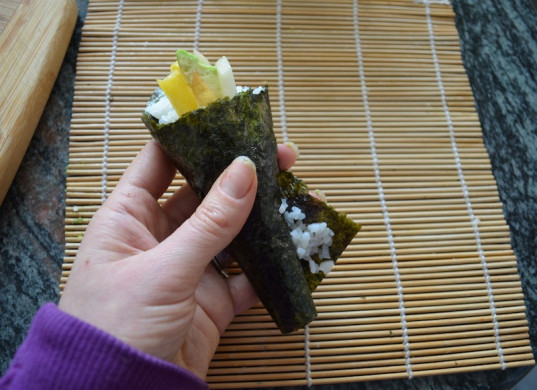 sushi, food, how-to, kid friendly