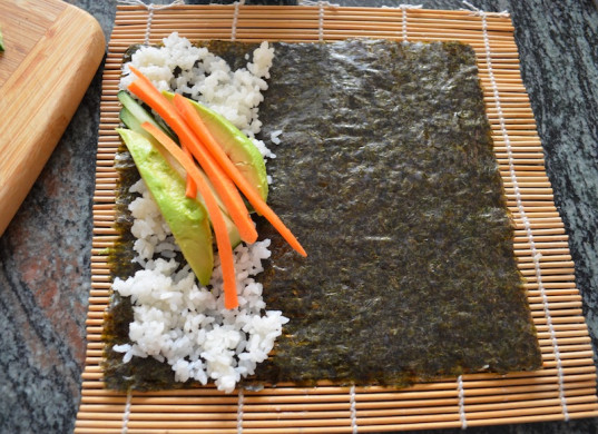 vegan sushi, how-to, handroll, kid-friendly