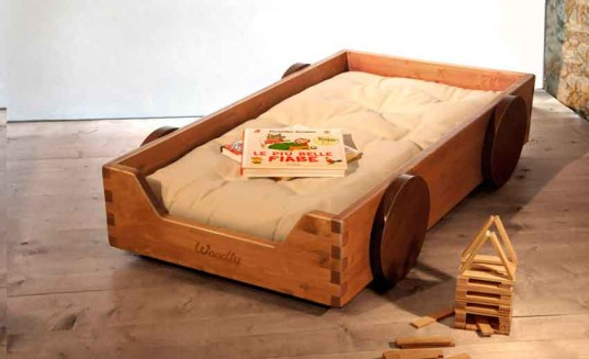 woodly, sustainable furniture, baby furniture, crib, montessori cot