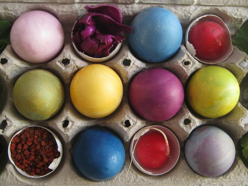 Globs All Natural Easter Egg Dye Kit Features A Rainbow Of Bright Non Toxic Colors
