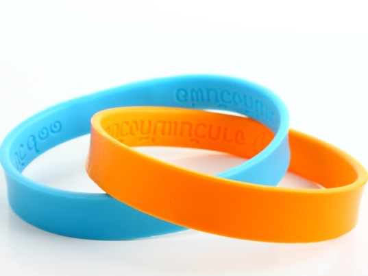 silicone wristbands, silicone bracelets, chemical test, chemical body burden, chemicals, toxic chemicals, test for chemicals, chemical detecting fashion