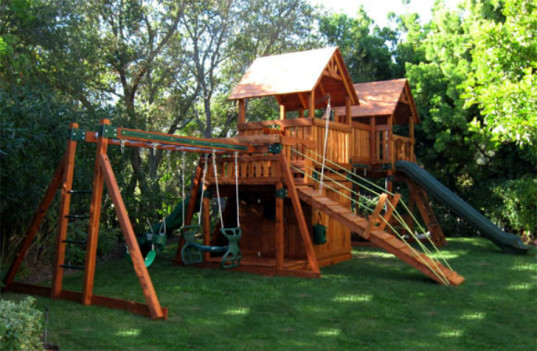 6 companies that make eco friendly outdoor play equipment for Kids home playground