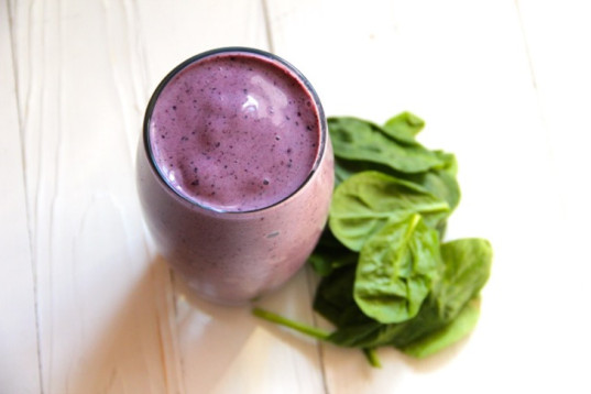 blueberry-spinach-smoothie