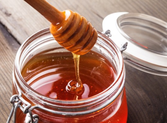 honey, natural allergy remedies, green medicine, parenting