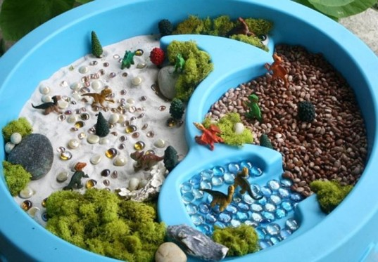 20 educational and fun sensory table activities for kids! | inhabitots