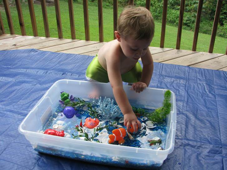20 Educational And Fun Sensory Table Activities For Kids Inhabitots