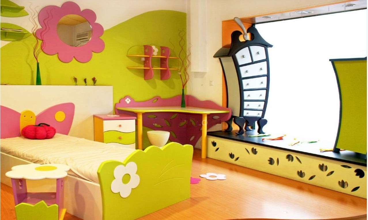 14 dreamy kids 39 room designs that have us yearning for for Kid room decor