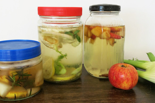 Infused Water Drinks, pear & rosemary, apple & cinnamon, fennel & citrus water, daily hydratation, tasty water, healthy water