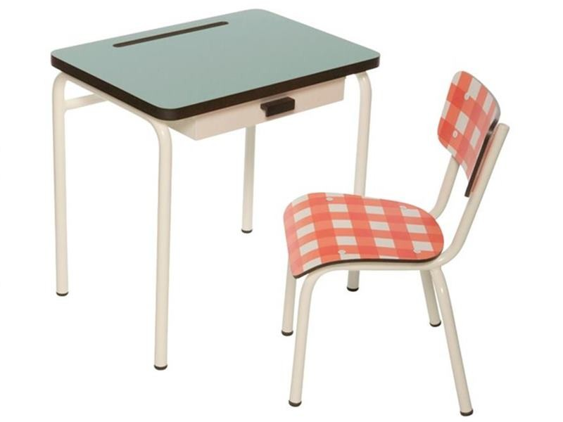 Vintage Style School Desks Chairs Provide A Stylish Sustainable Spot For Homework Inhabitots