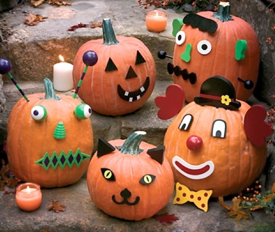 Halloween Decorated Door: 13 Kid-friendly Halloween Pumpkin Decorating Ideas