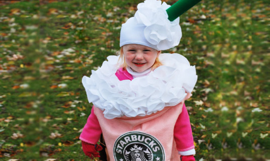 green Halloween costumes, homemade Halloween costumes, DIY Halloween costumes, homemade Halloween costumes for kids, inhabitots green halloween costume contest, diy minion costumes, diy lego minifig costumes, diy cabbage patch kid costumes, costumes parents can make, crafty Halloween costumes, eco-friendly Halloween costumes