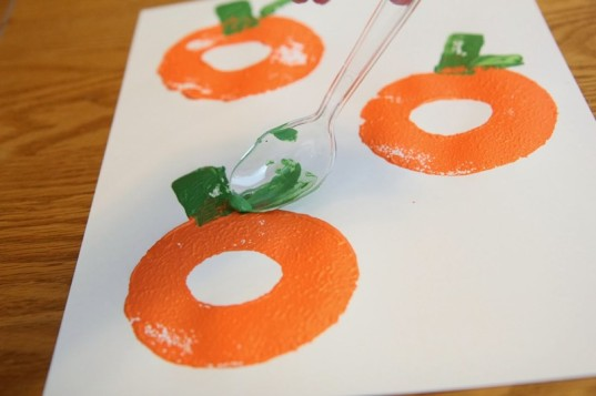 pumpkin crafts toddler crafts toddler halloween crafts halloween crafts pumpkin art - Halloween Toddler Art Projects