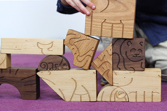 kids entertainment, green gifts, eco play, eco toddler, aminals, animal blocks, studio dunn, kid friendly, sustainable design