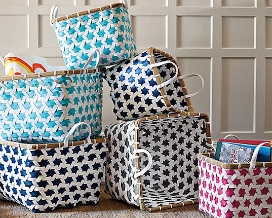 Serena u0026 Lilyu0027s stylish storage baskets are made out of repurposed plastic pallet strapping | Inhabitots & Serena u0026 Lilyu0027s stylish storage baskets are made out of repurposed ...