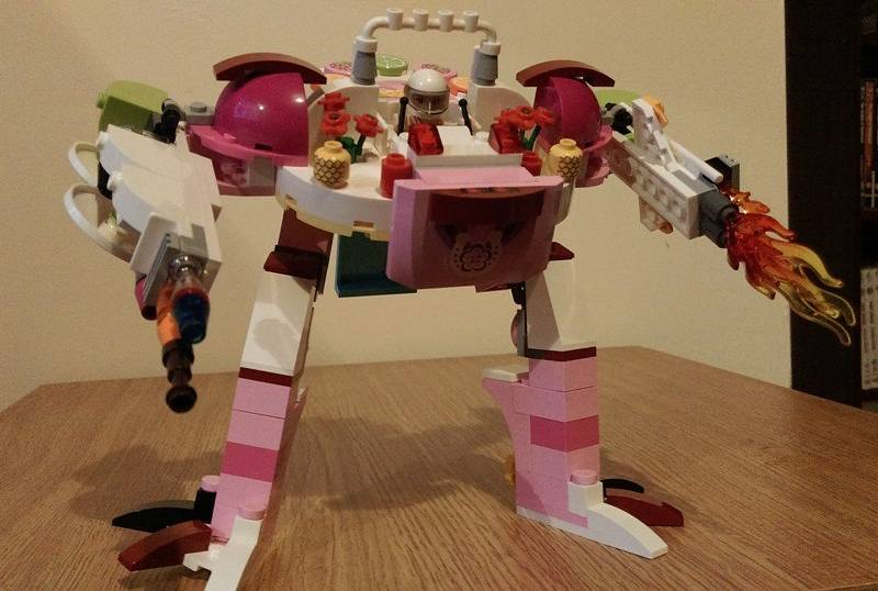 Girl ditches LEGO juice bar kit instructions to build this mighty ...
